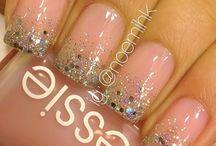 nails / by Desirae Kinahan