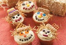 cupcakes / by Gloria Hernandez