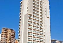 Hotel RH Victoria - Benidorm / Hotel moderno de 4 estrellas, inspirado en el mundo marinero en el corazón de Benidorm, muy cerca de la playa de Levante. Dispone de espaciosas habitaciones y Suites, algunas con vistas al mar. / by Hoteles RH