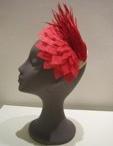 Tocados y sombreros / by Gisela Wainberg