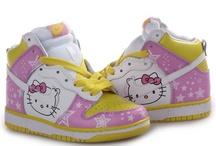 Hello Kitty:D:D:D / by Susa Vieira
