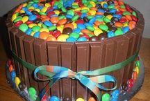 Cake Ideas / by Jenna Bou