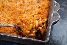 Recipes I Want to Try - Mac n Cheese / by Shana Bender