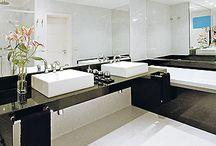 banheiros / lavabos. / by Gê Freitas