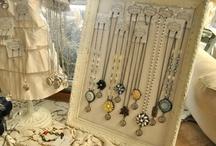 Display for jewelry / by Paula Mingolelli