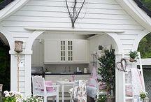 Houses I Like / by Julie O'Day Whitt
