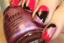 nails / by Cari Ard