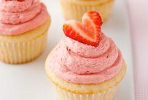 cupcakes / by Santos, Eliana