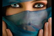 E Y E S / Gorgeous eyes / by Donna Rupar Pereira