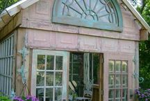 garden sheds/offices / by Catherine Murray