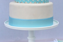 Cakes / by Corinne Stoter