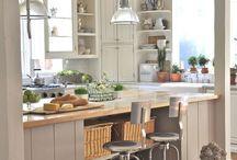 Open up between kitchen & living / by Mellissa Camara