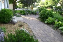 Front yard landscaping / by Anne Ogrosky Mall