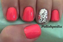 nails<3 / by Elyssa Rung