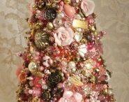 Christmas / by Linda Wheeler
