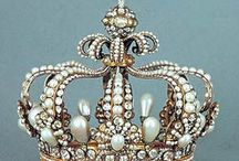 Pearl Crowns / Pearls crowns off all sorts. / by Kari Pearls