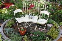 Miniature Gardens - Lovely  / by Yolanda Greene