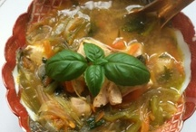 Food - Soups, Stews & Chowders / by Sara Schafer