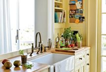 Kitchen ideas / by Leslie Farren
