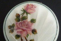 Compacts Vintage / Vintage compacts / by Sabina Mugford