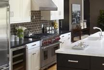 Kitchens / by Shavonda Gardner {AHomeFullOfColor}