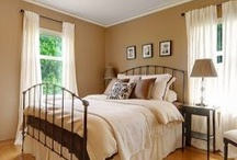 Bedroom / by Conni Kinzler