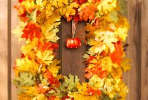 wreaths / by Mary Mendoza
