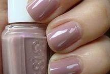 Oooh Pretty Nails!  / by Jordan Ehren