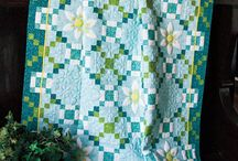 QUILTS/QUILTING / by Debbie Hofstra