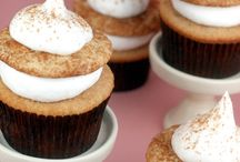 desserts that make you say yum... / by Jennifer Taulbee