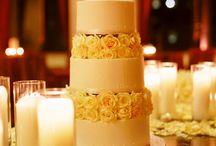 Wedding Cake Ideas! / by Courtney Laine