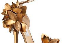 Sapatos / by Darlene Diogo