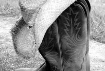 Shes Countryy. from her cowboy boots to her down home roots.. / by Chelsea Auvinen♎
