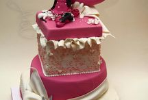 minnie mouse cakes / fun & cute minnie mouse cakes  / by Laura Aguilera