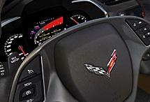 www.autoreduc.com : Corvette C7 Stingray / Voici la septième génération de la mythique Corvette, née en 1953. C'est le modèle le plus puissant de la lignée, avec 450 chevaux. Il y a cinq modes de conduite y boîtes manuelle ou automatique. Les matériaux utilisés sont de pointe : aluminium, carbone et magnésium.  Peut-être un jour sur Autoreduc ? ;) / by Autoreduc L'achat groupé de voitures