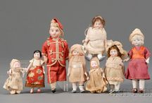 DOLLHOUSE tiny folk / by Susan Thompson