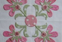 applique'blocks,wall hangings and tablerunners / by Diane Rizor