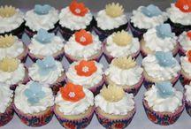 Vegan & Gluten Free Cupcake Recipes / by CakeJournal