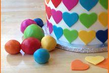 Cake decorating / by Julianna Ammons