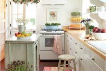 Kitchens/Dining Rooms / by Gina Grundy