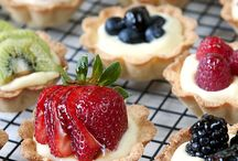 pies and tarts / by Lisa Douglas Smith