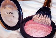 Makeup <3 / by Ashleigh Fairbanks