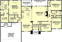 Floor plans / by Jessica Duarte