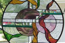 Absolutely love stained glass / by Paula Prieto