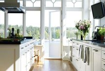 kitchens / by PATTY CHANDLER