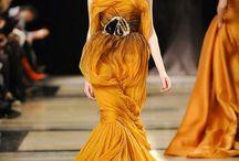 Beautiful/Unbelievable Fashion / by Carolyn Livingston