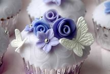 Cakes an Cupcakes / Yummmm! / by Mechele JOhnson