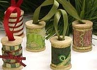 CHRISTMAS ORNAMENTS & IDEAS / by Linda Brown
