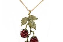 Beautiful jewellary / by Gilli Mew