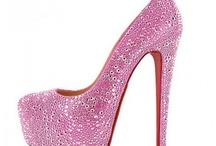 I <3 Me Some Shoes!! / by Christina Carpenter